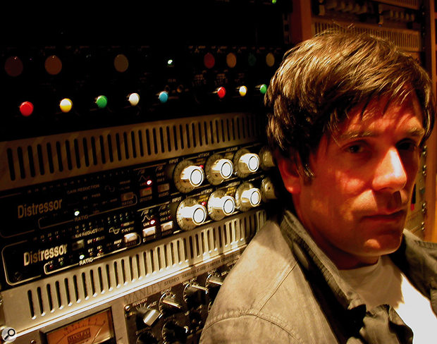 Mix engineer Tom Elmhirst massaged the '60s soul vibe of the recording to create a radio-friendly hit in 'Rehab'.