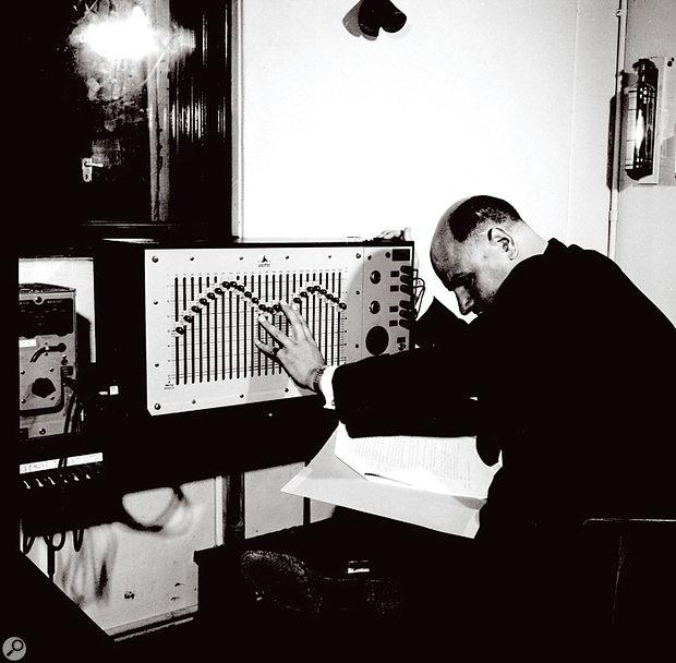 Desmond Briscoe at work, 1960.