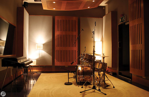 The beautiful live room, currently home to a Mk I Fender Rhodes Stage Piano and a Premier drum kit.