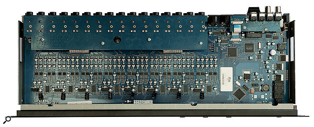 Opening the rack case reveals a neat circuit layout, which is dominated by the numerous analogue jack connectors.