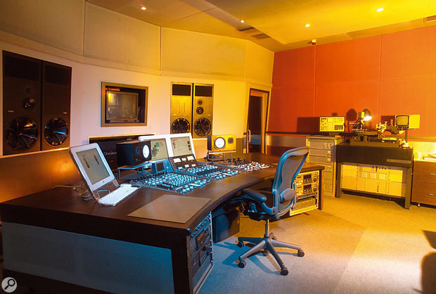 eMasters is the on-line division of The Sound Masters, and uses their main mastering studio as well as a separate edit suite.
