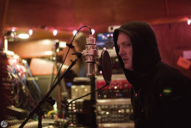 Recording Queens Of The Stone Age