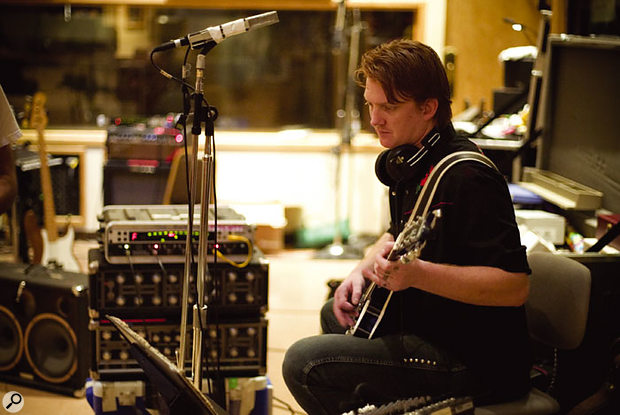 According to Joe Barresi, most of the guitars played on Lullabies To Paralyze were of the hollow-bodied variety.