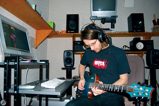 A fan of PRS guitars and avery talented player, Steven Wilson usually prefers to hire others to engineer his guitarrecordings.
