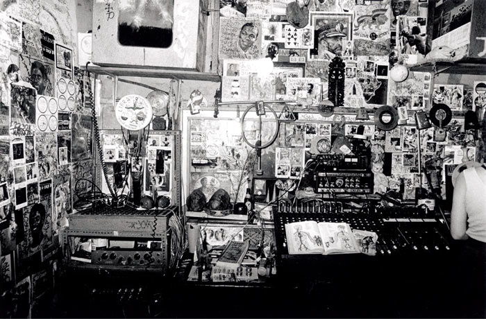 Lee Scratch Perry Dub Syndicate Time Boom X De Devil Dead