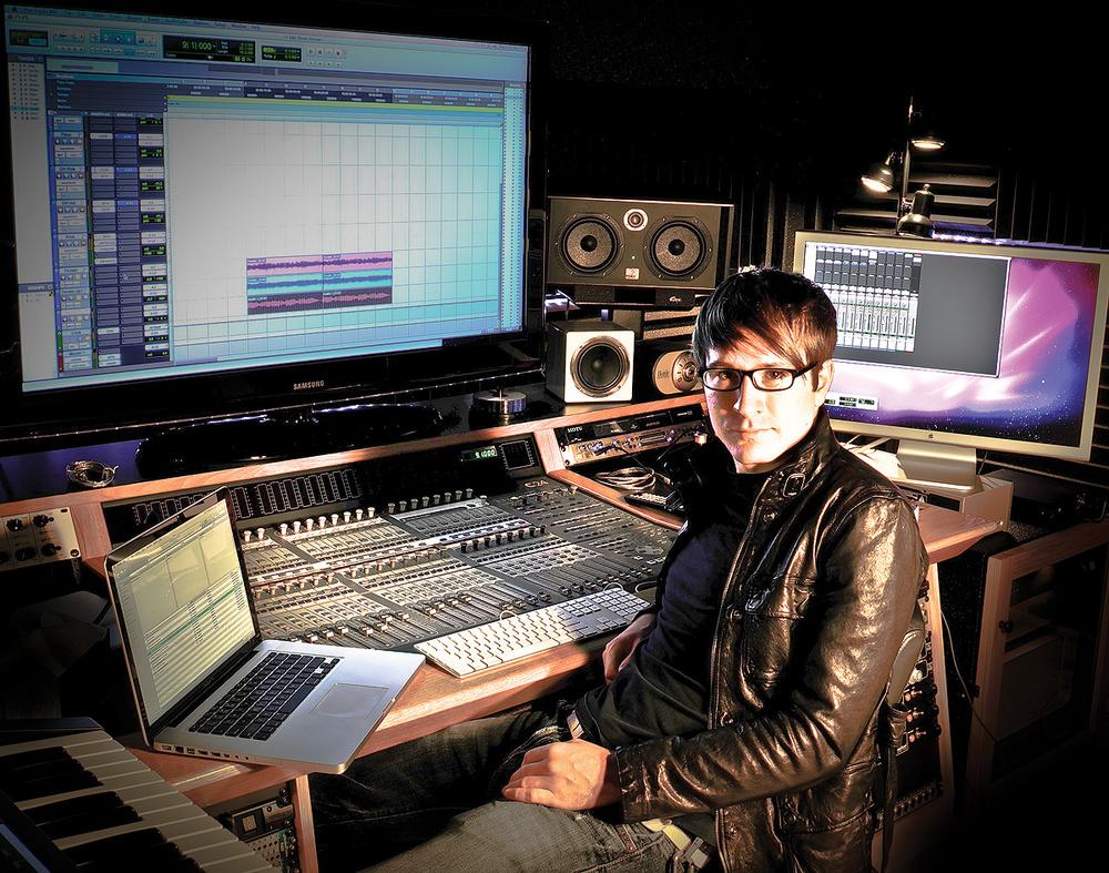 O Owl City Adam Young  aka Owl City