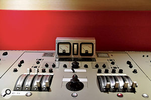 Whereas most orchestral sessions at Abbey Road Studio 2 employ its new Neve desk for transparency, David and Jan were keen to get as much colour into their recordings as possible, and insisted on using the vintage REDD.17 valve mixer.