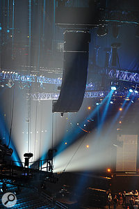The majority of the sound in the venue was being provided by four JBL Vertec 4889 line arrays, supplemented by delayed side- and rear-fill speaker clusters.