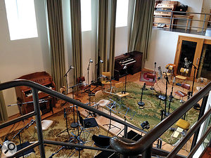 For Chris Elms' first string session at Sundlaugin Studio in Reykjavik, a  15–piece string section was miked very close, as shown in this photo.
