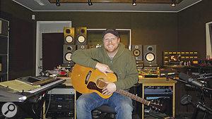 Nathan Chapman at his Pain In The Art Studio.