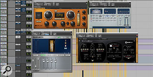 Different guitar reverbs and delays were used at various points during the set.