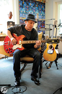 Paul Simon's guitar playing took amore prominent role on SoBeautiful Or So What than on hisother recent albums.