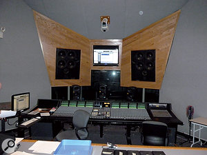 Studio B at MTSU is still based around an analogue desk, albeit one far more complex than that on which Gravedigger was originally recorded!