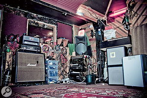The Cafe Music live room, where almost allofthe acoustic parts on Diamond Mine wererecorded.