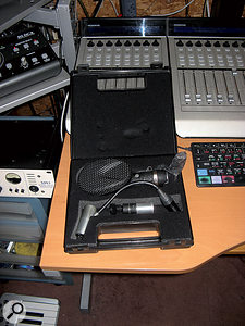 Many of Kenny Anderson's vocals were recorded using Cafe Music's Coles 4038 ribbon mic.
