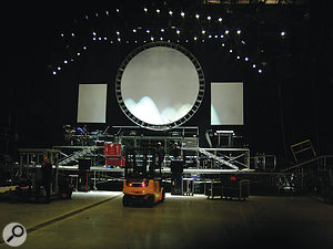 The whole crew rehearsed the show at LH2 in London before going on tour. Here we can see that the drummer (left) and keyboardist (right) are the only live players.