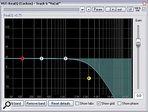 A wide, bright reverb on the main kick‑drum sample didn't sit well with the desired genre, so Mike used avariety of processes to make it less prominent: low‑pass filtering from Cockos ReaEQ; hit‑by‑hit audio editing; ‑9dB of Sustain from SPL's Transient Designer plug‑in; and mono summing courtesy of Voxengo MSED.