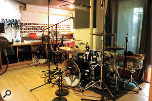 """The Swamp studio drum kit features on most Thornalley/Hauge productions. """"The kit is a'70s Premier Royale,"""" says Thornalley. """"The snare is aLudwig Black Beauty — just amazing for recording. Cymbals are [Zildjian] Custom As, and hats are vintage Zildjian."""""""