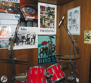 To get aparticular section of your drum kit central in the stereo image, it is important to set up your overhead mics such that they are equidistant from the relevant sources.