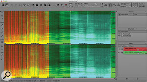 Audio layers are shown in the spectral display in green, or in red if selected. The clipboard is blue.