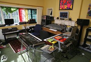 Simon Posford's studio is based around a Mackie 8bus analogue mixer.
