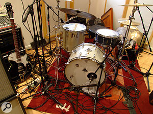Steve Roberts' drum kit; the Shure SM57 positioned low down in front of the kit was usually distorted with a  Tech 21 Comptortion pedal.