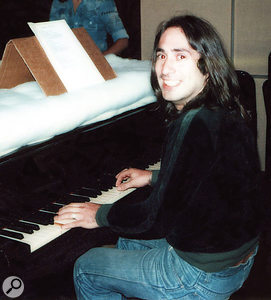 Lol Creme at the grand piano, 1975.
