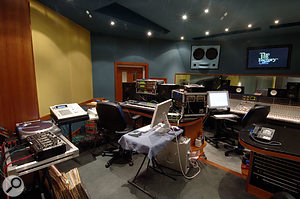 A writing area set up in Studio E at the Hit Factory for Cool & Dre, with turntables, MPC2000 and their favourite synths.