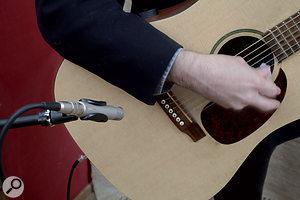 Recording ASinging Guitarist