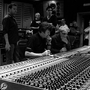 <strong>Paul White at Sphere Studios' Neve 88R</strong>