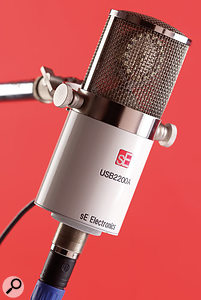 The SE2200A is the only one of the bunch to include both a digital USB and a traditional analogue XLR output, which makes it more flexible in that you can use it with your regular preamps, as well as on its own via USB.