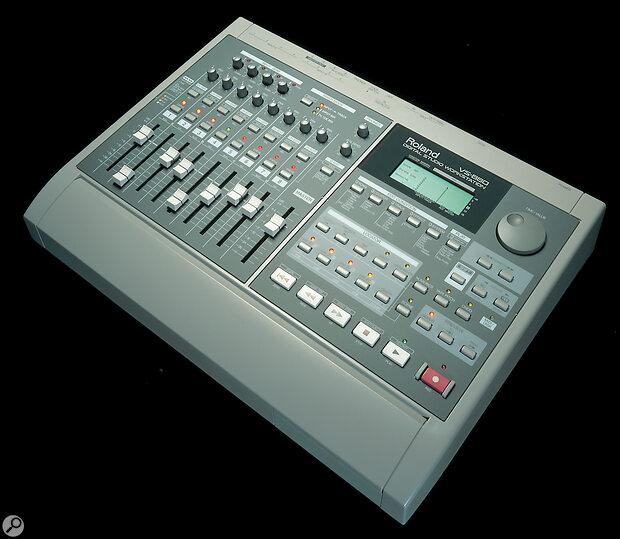 Roland VS880 & VS8F1