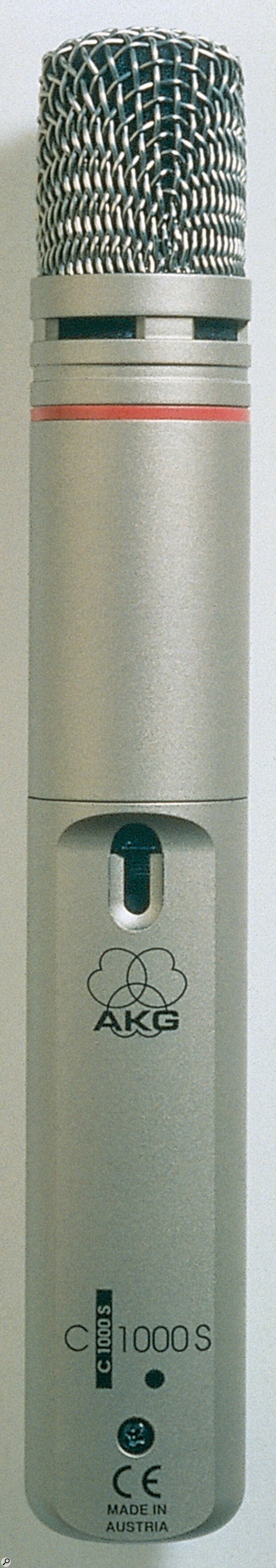 A back‑electret mic such as the AKG C1000s will offer better sensitivity than a dynamic for serious sample recording, but won't need a phantom power supply