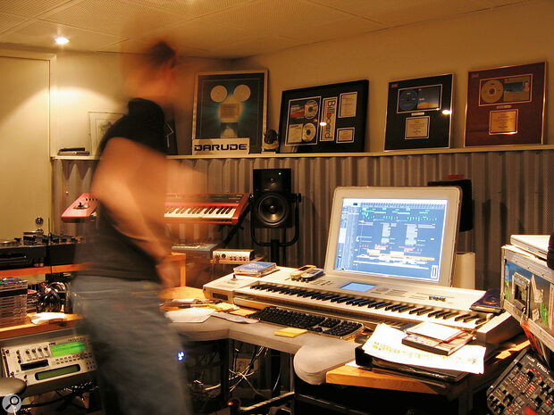 Ville Virtanen's studio setup, early 2000s.