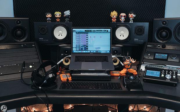 Maddmix's studio.