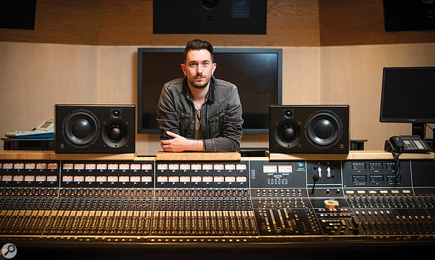 Jason Elliott mixed Ellie Goulding's version of the Joni Mitchell Christmas classic 'River'.