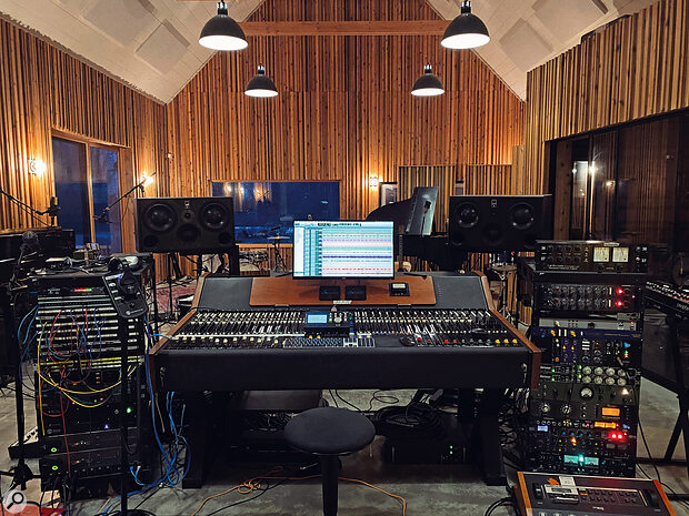 The WSW/Siemens console takes pride of place at Long Pond. The outboard rack to the right includes the Lisson Grove compressor (the green unit in the middle) that was used for Taylor Swift's vocals.