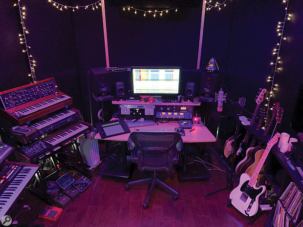 A VoxGod's studio: the space where Bolooki worked for 10 days without a  break on Billy Ray Cyrus' vocal takes.