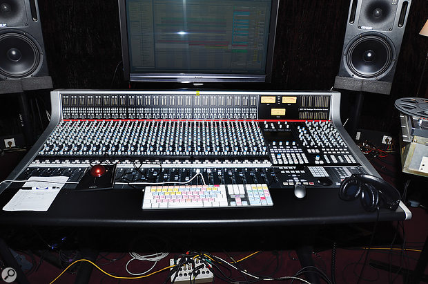 To help develop the working approach he had in mind for Electronica, Jean-Michel Jarre installed an SSL AWS 948 hybrid console in his Paris studio.