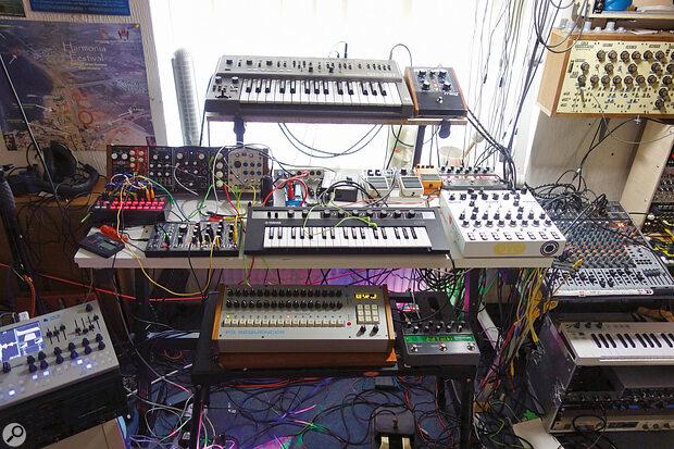 Warning: DAWless setups can be addictive and take over your studio!