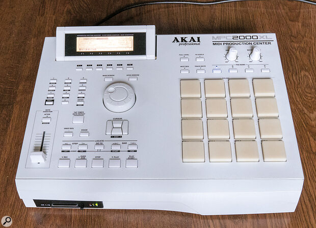 This Akai MPC2000XL, from 1999, has been brought up‑to‑date thanks to anew paint job and aCompact Flash card reader where the floppy disk used to be.
