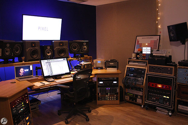 Joe Rubel completed a lot of the Ed Sheeran songs at his own Pixel Studio production room in London.