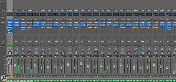 Using the multi-output version of a software instrument lets you send the different sounds from a multitimbral virtual instrument, such as a  drum kit, to individual channels in Logic's mixer for separate processing.