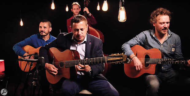 Jérémy's reference for the guitar sound was a 'live in the studio' performance by the group Selmer #607.