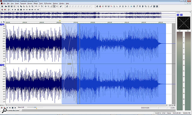 When two audio files overlap within a window, a crossfade is automatically created...