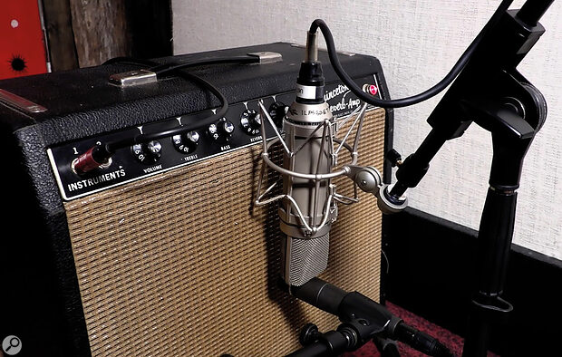 Pairing acapacitor mic with amoving‑coil dynamic is also common. Here, you can see aNeumann U67 and SM57 combined by engineer Vance Powell on aFender Princeton amp.