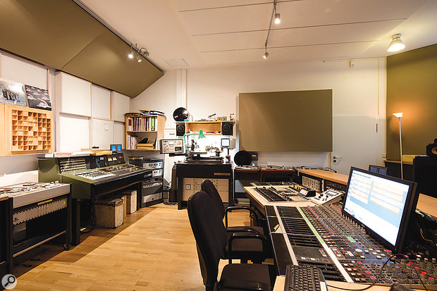 The jewel in the Emil Berliner crown is the Analogue Suite, home to vintage Deutsche Grammophon and Polygram consoles among other rare equipment.