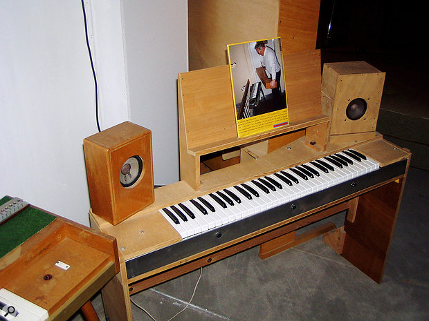 Ernst Zacharias' own prototype Clavinet has stereo speakers that, he says, are an important part of its sound.