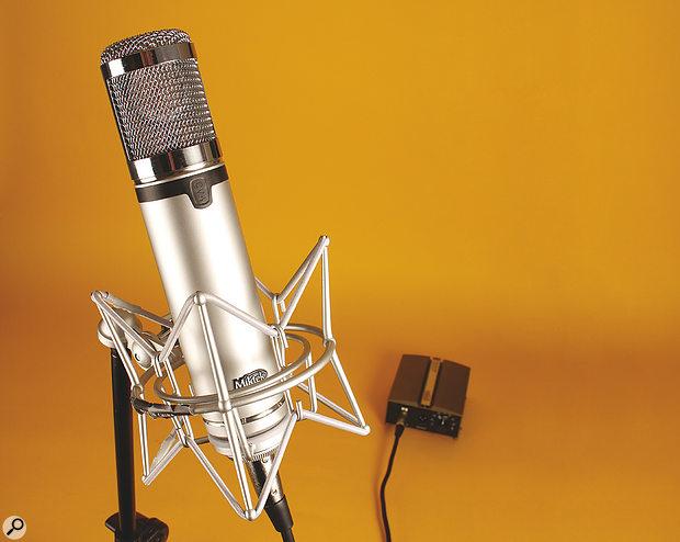Miktek CV4 microphone.
