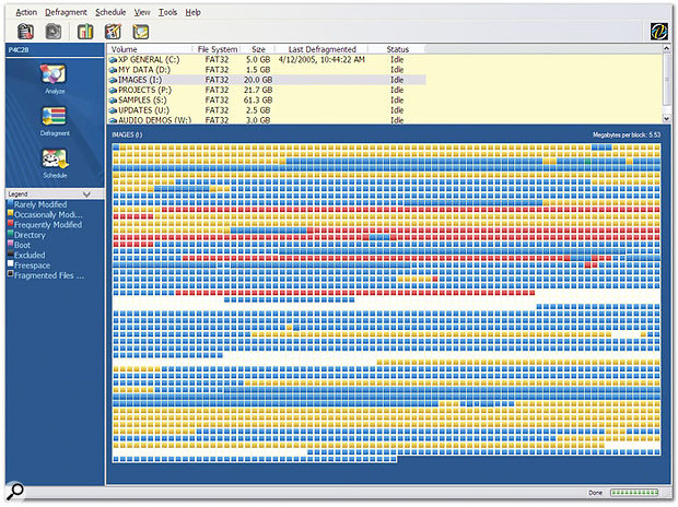 Fragmented hard disk data as represented in the Perfect Disk defragmentation utility.